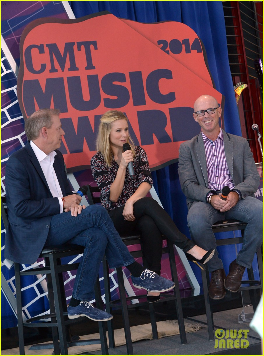 kristen bell steps out for cmt awards press conference 05
