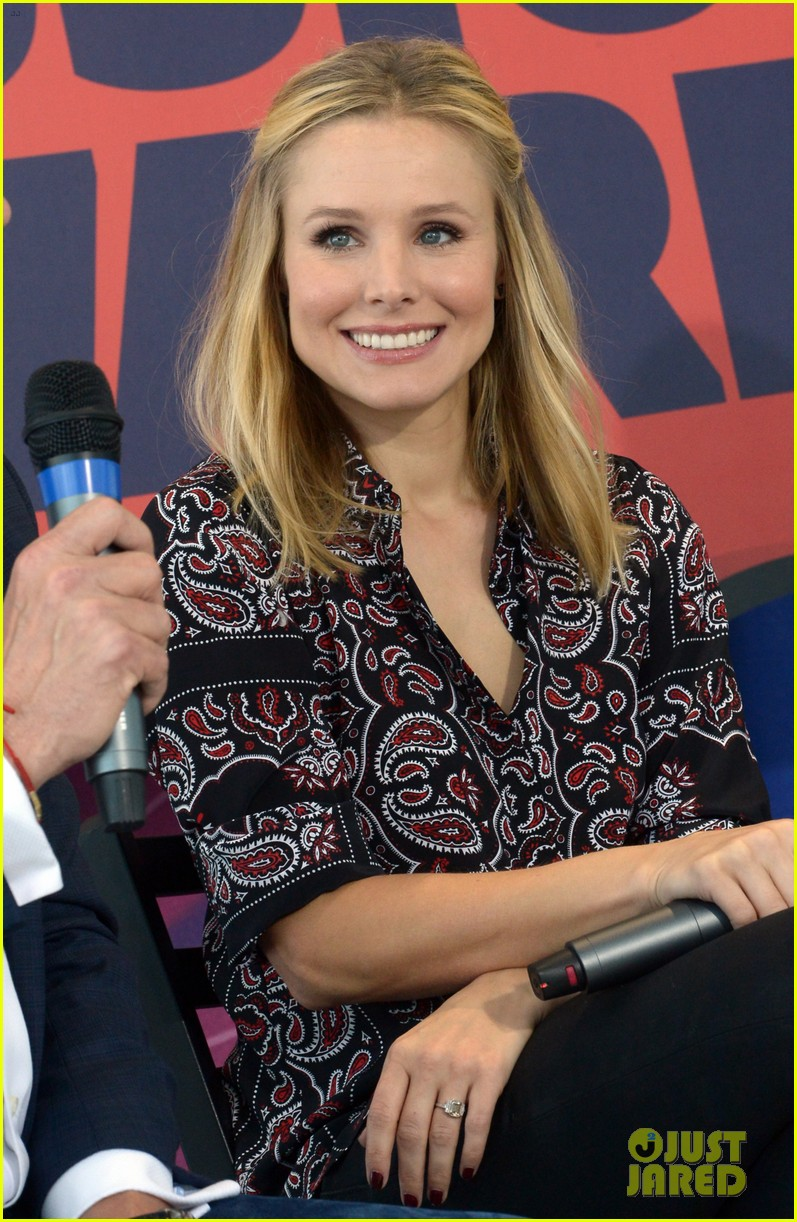 kristen bell steps out for cmt awards press conference 08