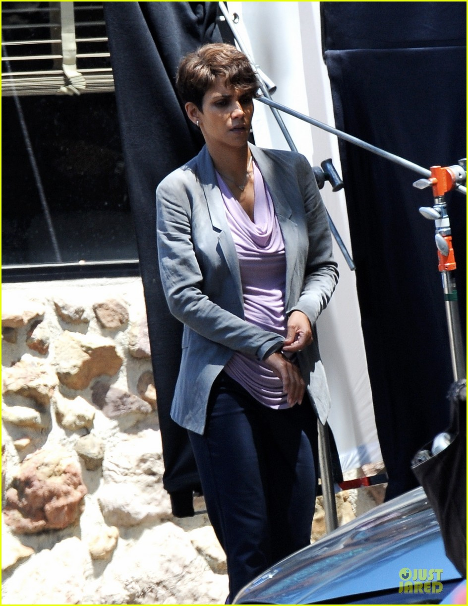 halle berry has extant on her mind 02