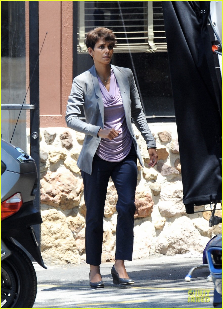 halle berry has extant on her mind 07