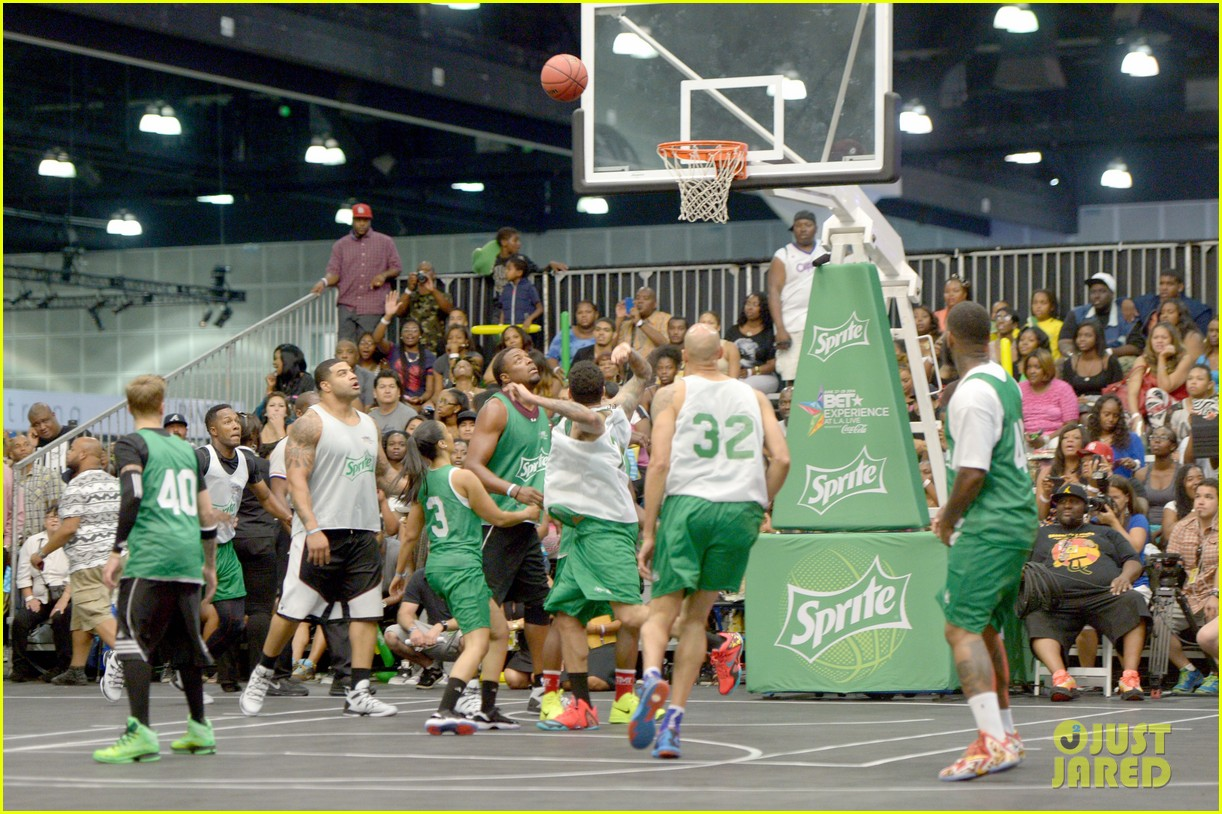 justin bieber chris brown bet celeb basketball game 393145714
