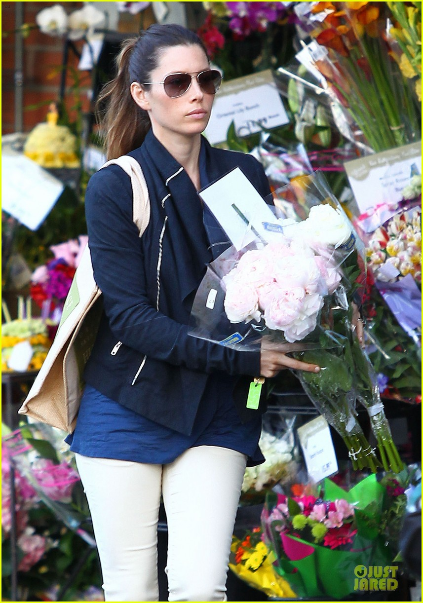 jessica biel looks happy to smell like flowers 043135803