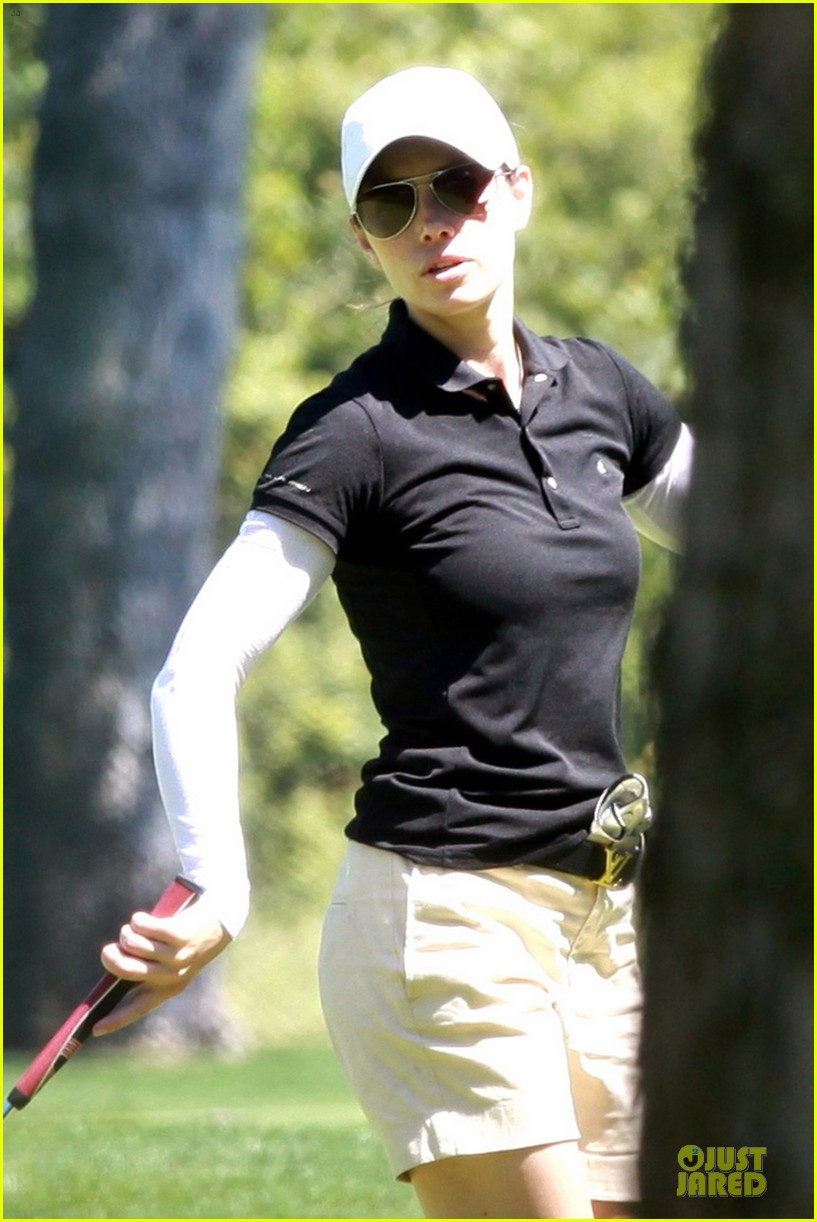 justin timberlake gets jessica biel to play golf 22