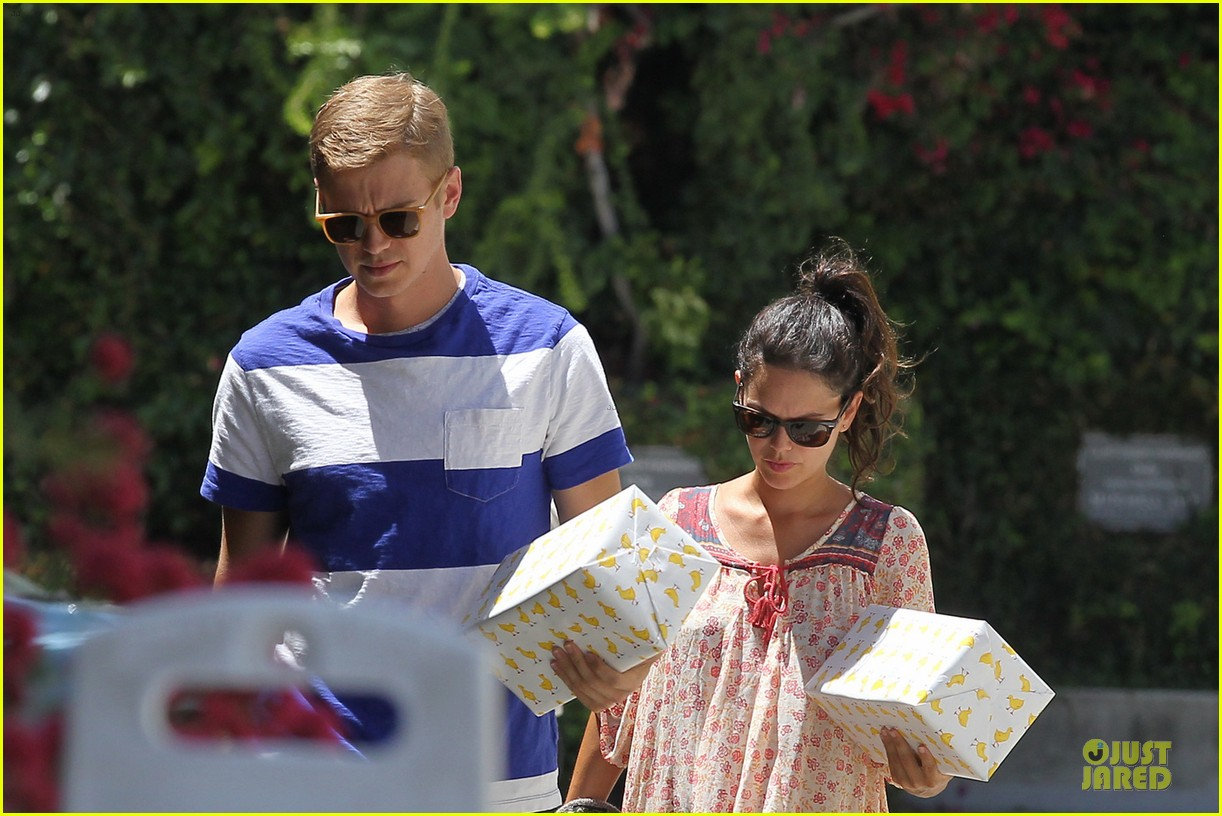 rachel bilson hayden christensen presents for birthday party 023140710