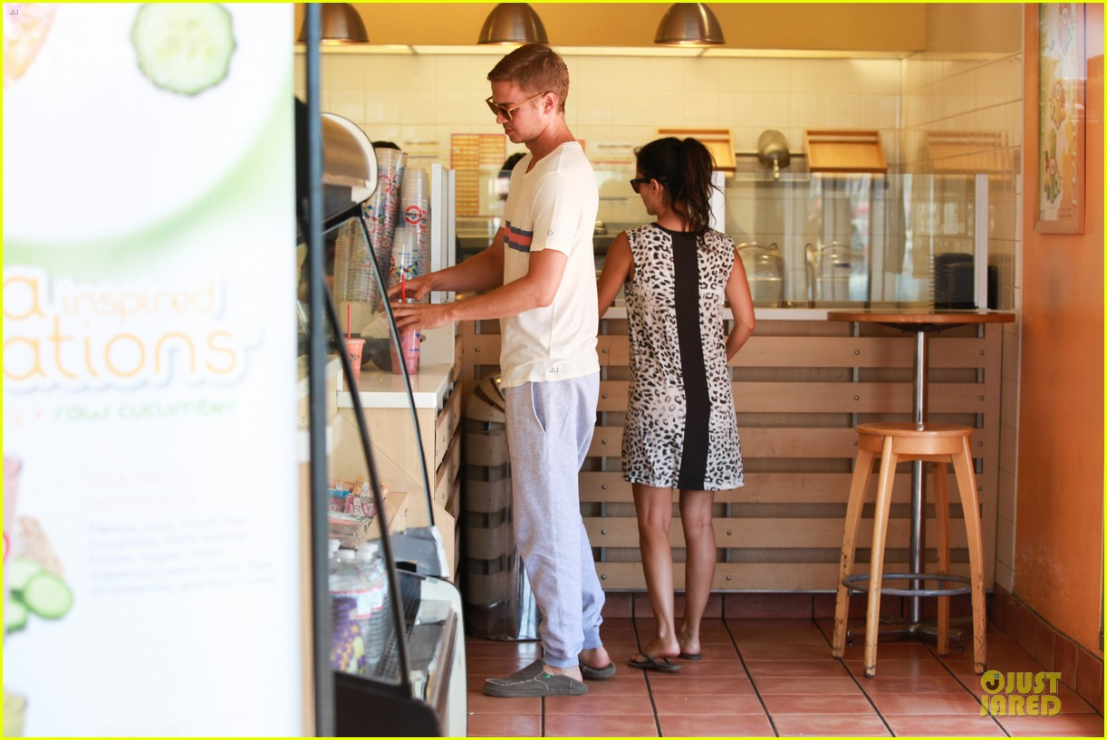 rachel bilson hayden christensen stay healthy with smoothies 18