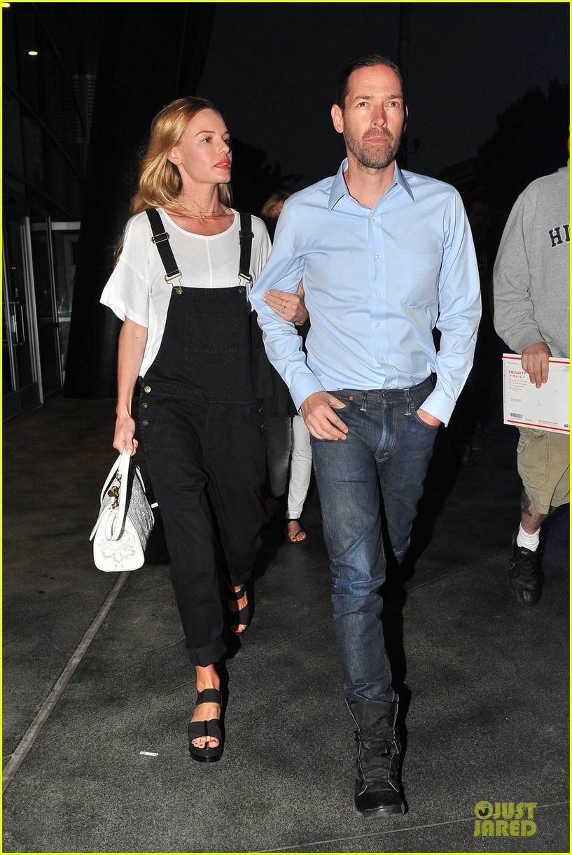 kate bosworth michael polish celebrate kings win at boa steakhouse 01