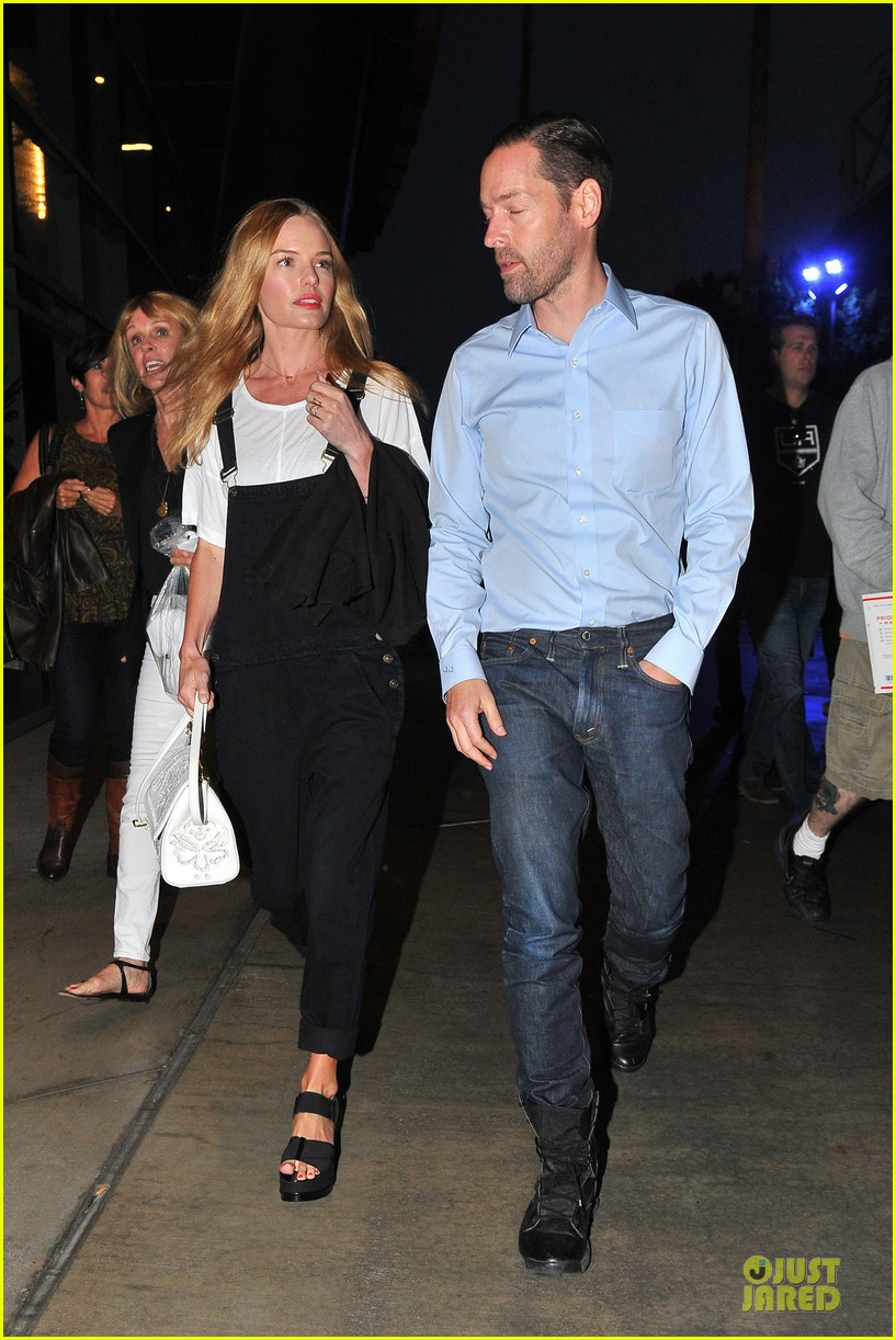 kate bosworth michael polish celebrate kings win at boa steakhouse 05