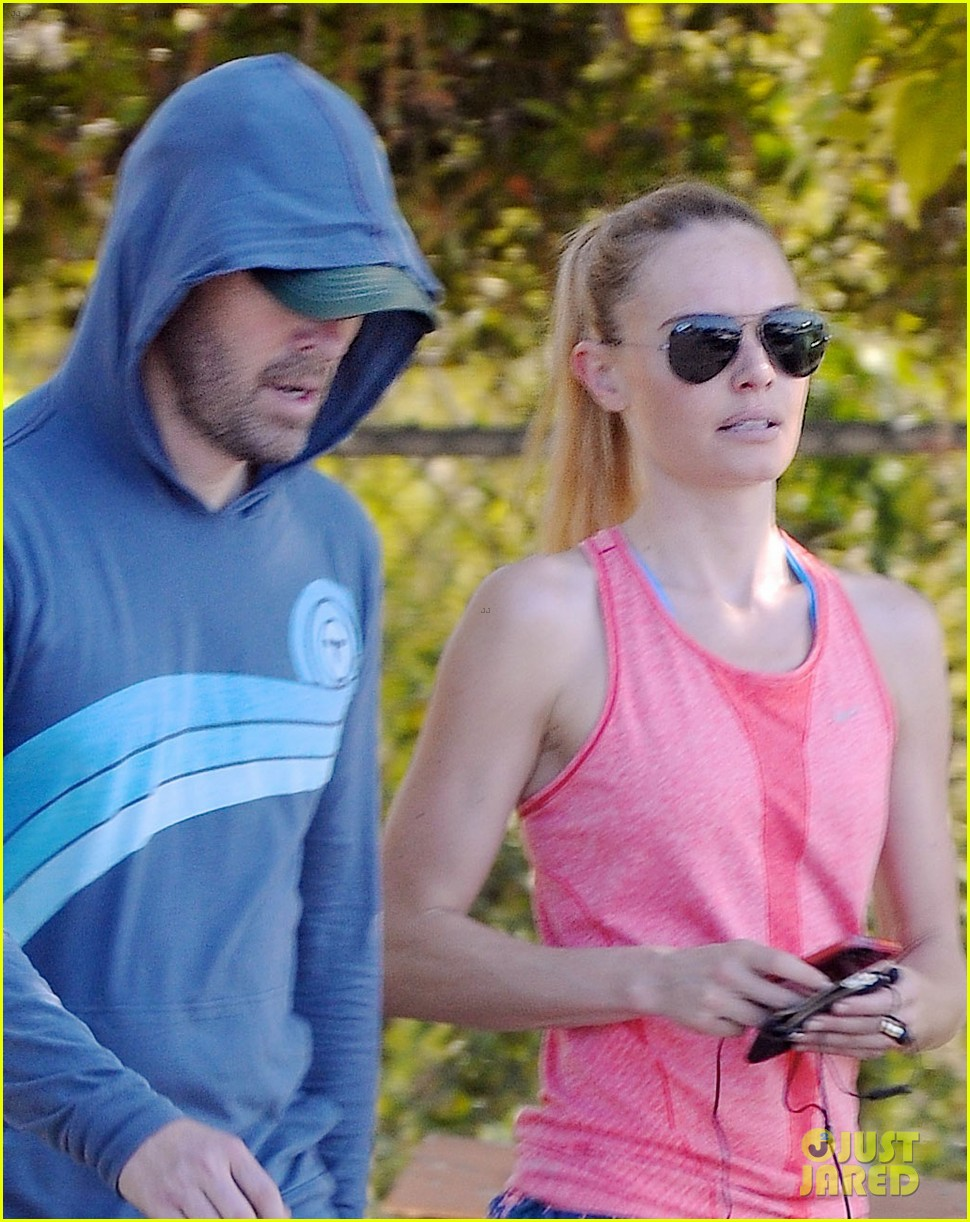 kate bosworth michael polish go hiking after dallas trip 04