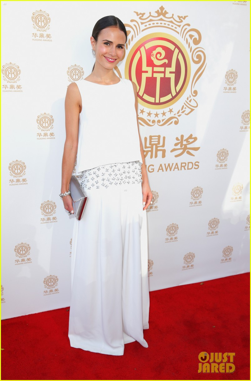 jordana brewster tyrese accept award at huading film awards 2014 01
