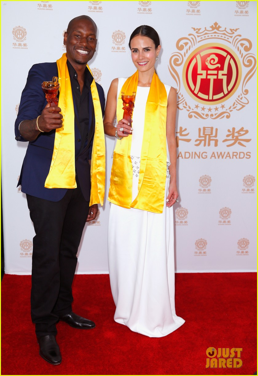 jordana brewster tyrese accept award at huading film awards 2014 153126226