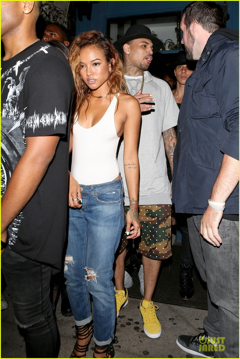 chris brown karrueche tran dance at hooray henrys 12