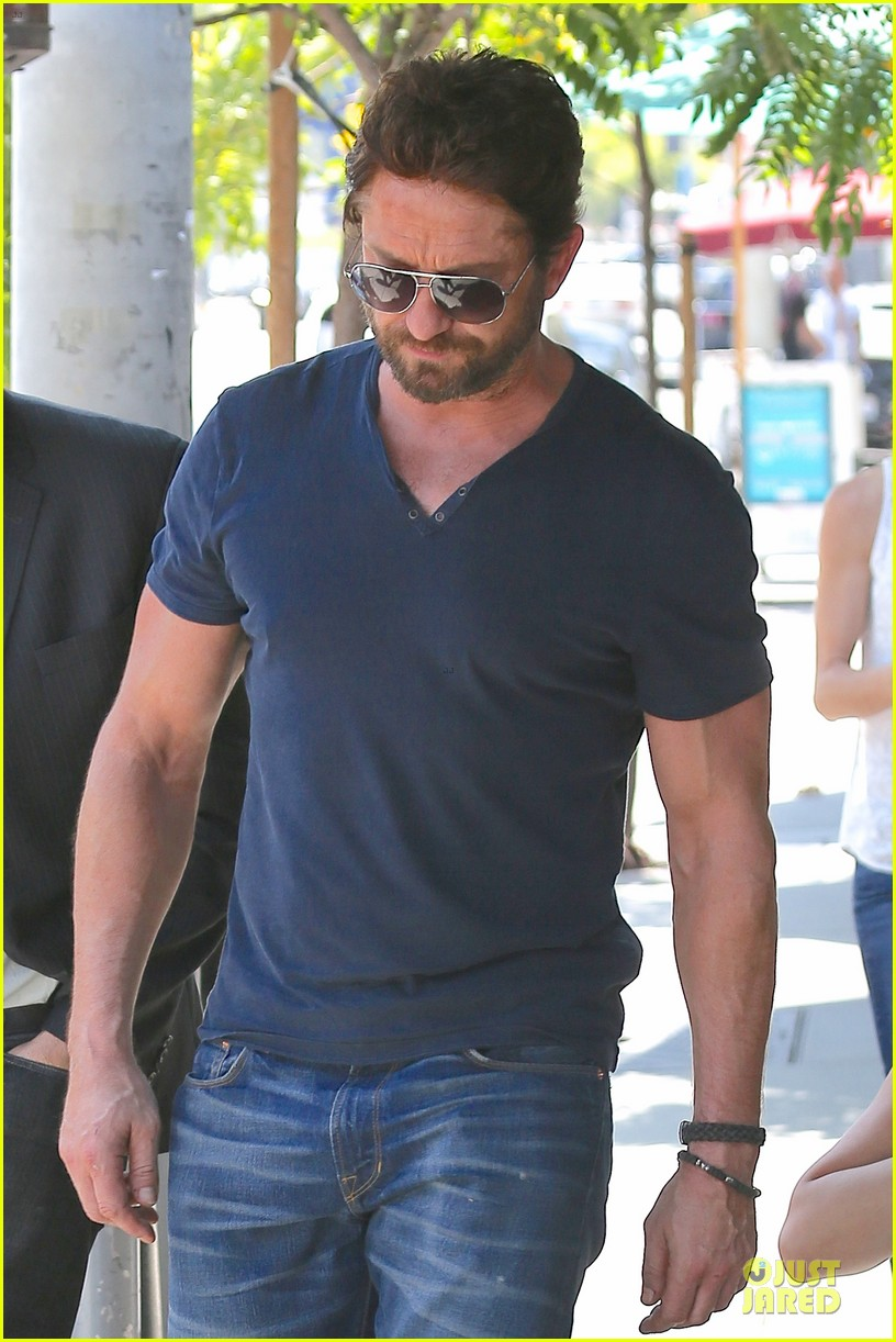 gerard butler how to train a dragon 2 gets imax release 083132008