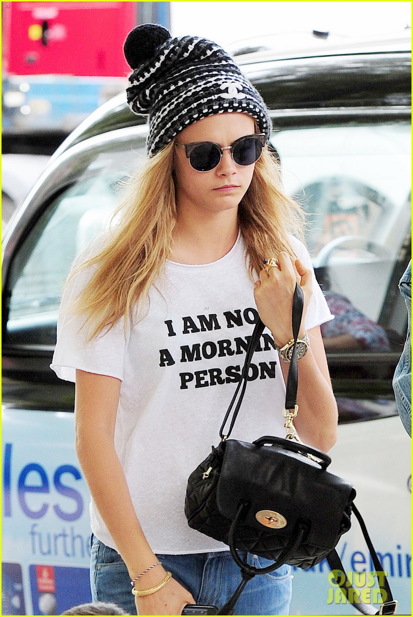 cara delevingne fires back vogue interviewer sleep 023144091
