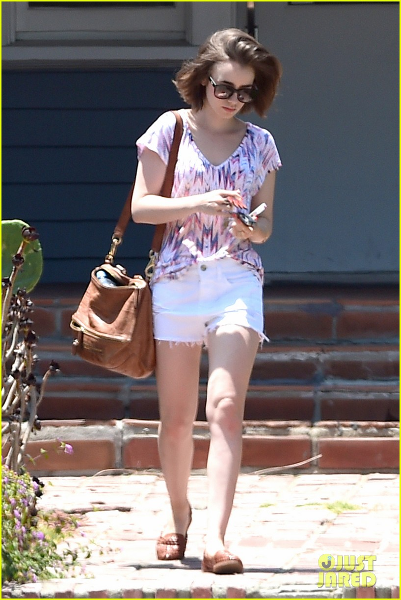 lily collins wellness day la 04