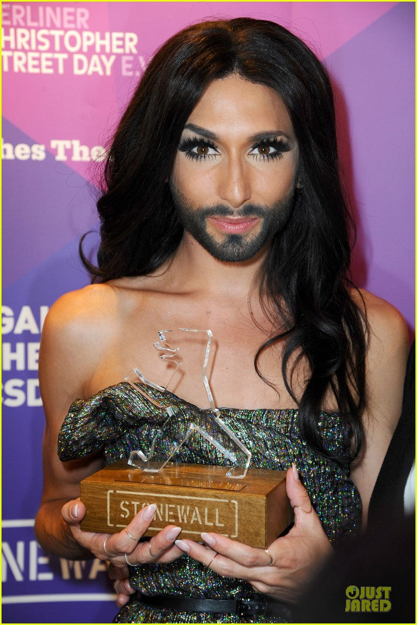 conchita wurst christopher street day gala 113140453