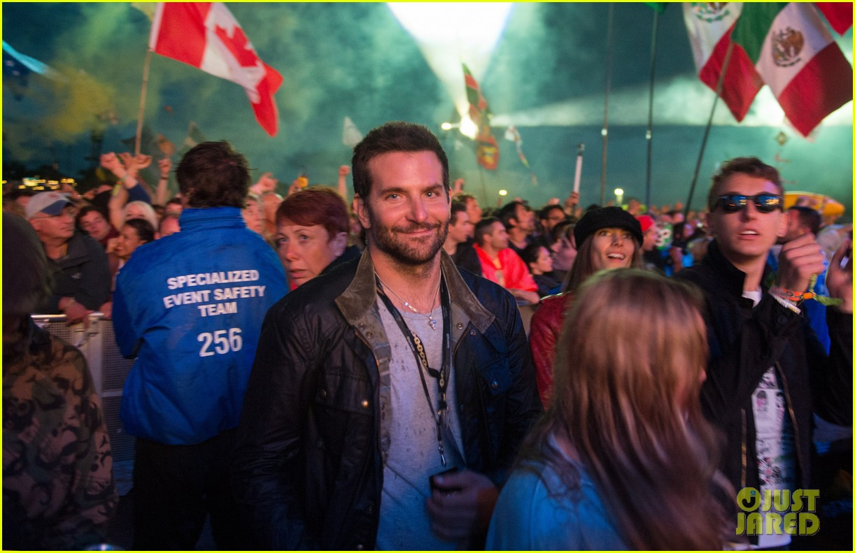 bradley cooper attends glastonbury sans suki waterhouse 023145845