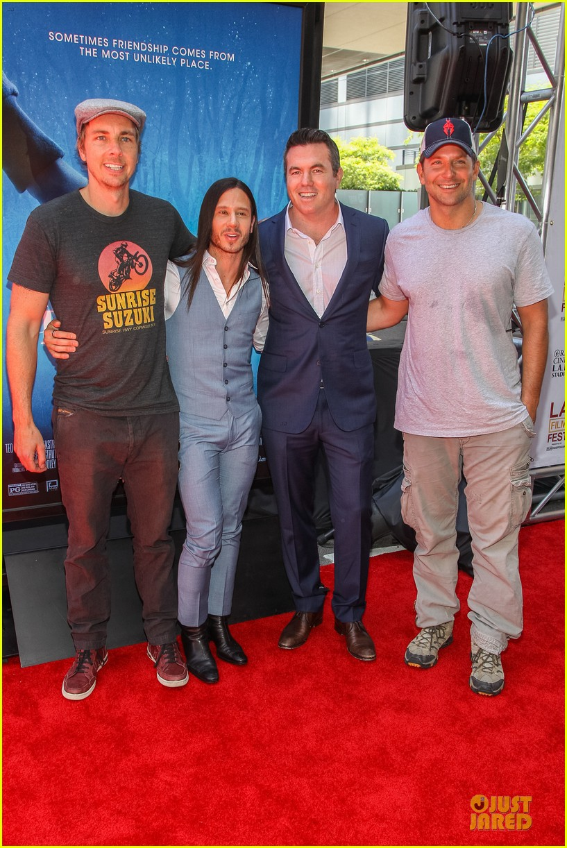 bradley cooper sports water stained tee at earth to echo premiere 013135814