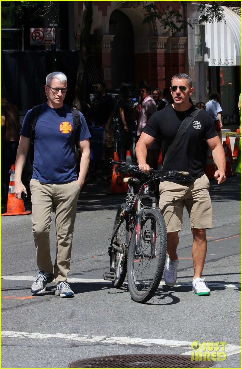 anderson cooper steps out with boyfriend after vagina segment 02