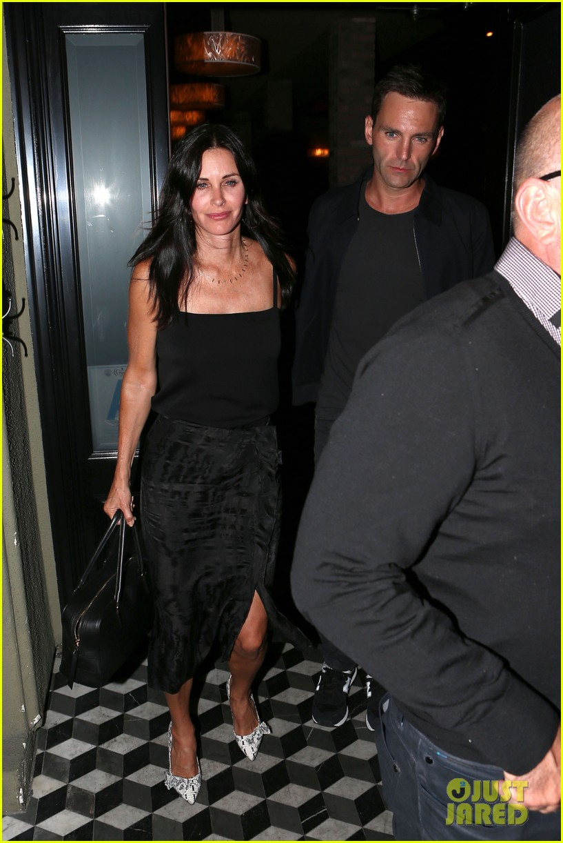 courteney cox johnny mcdaid go on lunch date dinner date 05