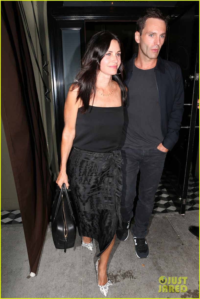 courteney cox johnny mcdaid go on lunch date dinner date 14
