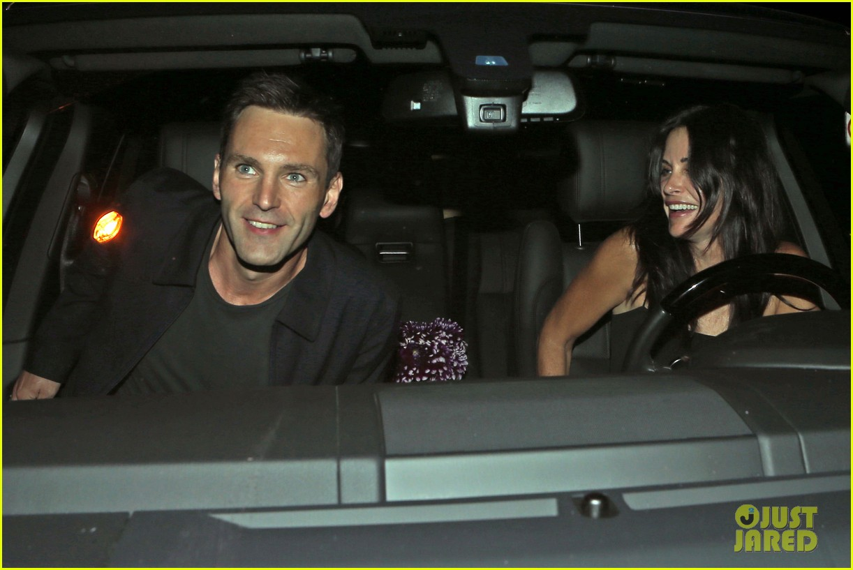 courteney cox johnny mcdaid go on lunch date dinner date 15