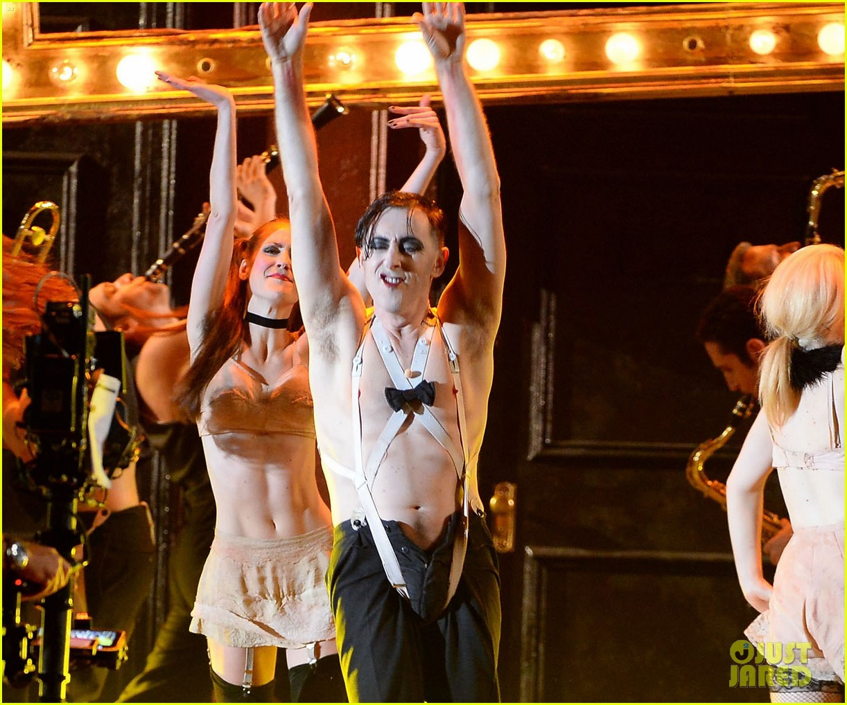 alan cumming cabaret cast perform at tony awards 2014 02