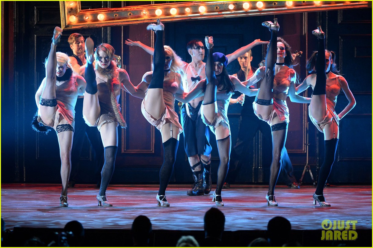 alan cumming cabaret cast perform at tony awards 2014 03