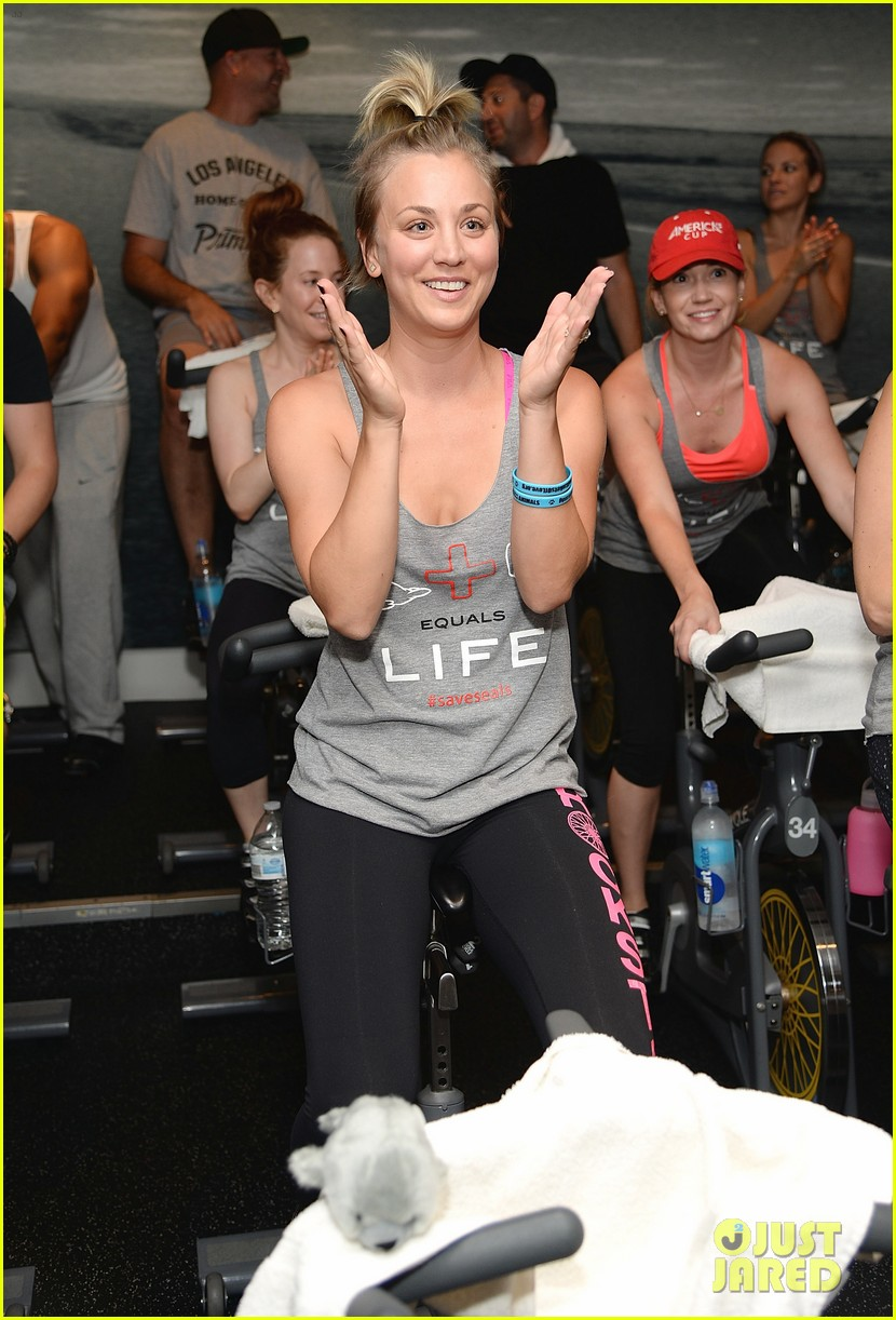 kaley cuoco works up a sweat at seals benefit 07