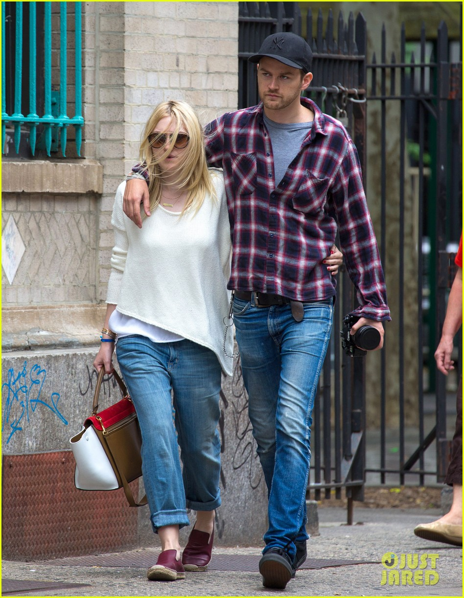 dakota fanning jamie strachan inseparable nyc 09
