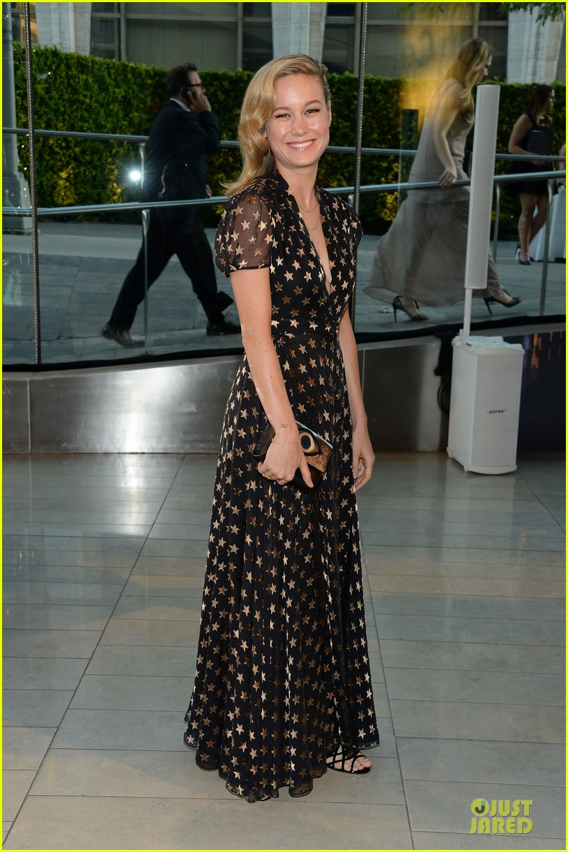 zoey deutch brie larson dressy cfda awards 2014 06