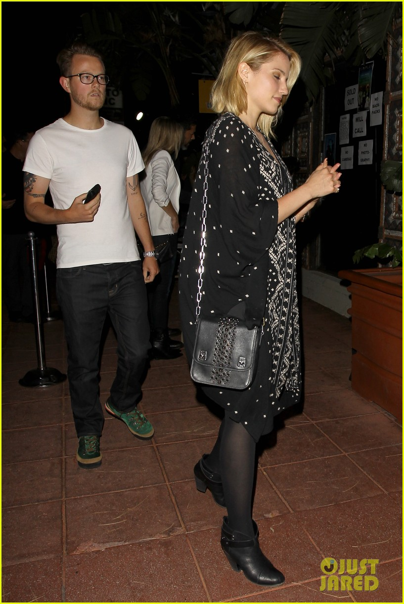 dianna agron jack white concert mystery man 04