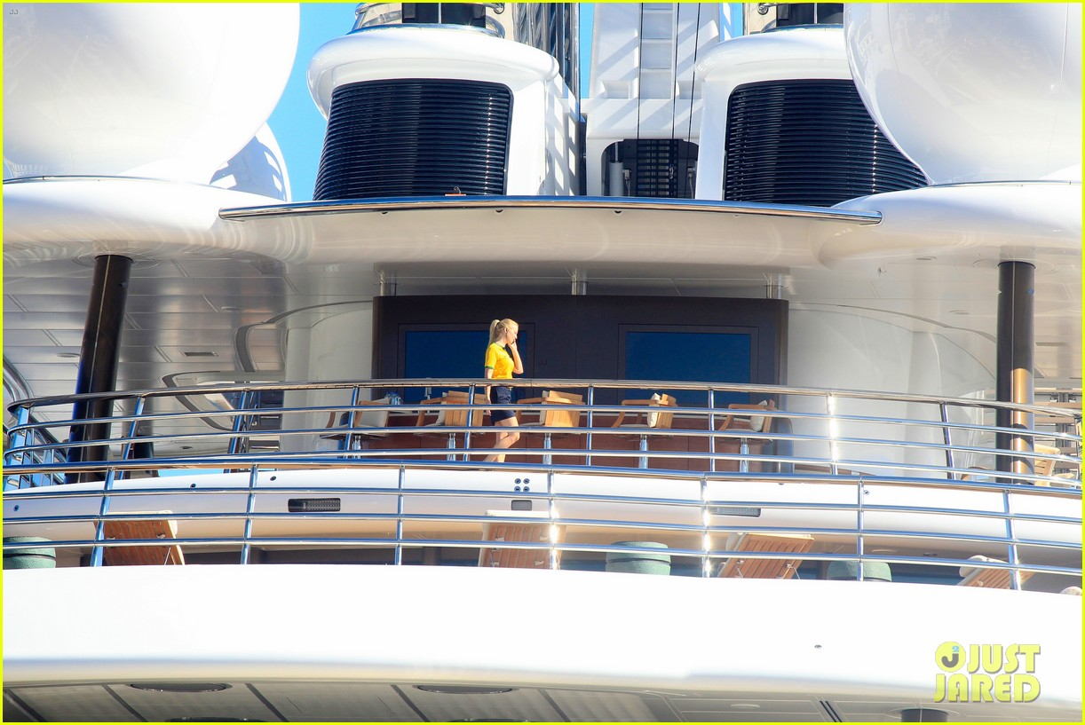 leonardo dicaprio luxury yacht world cup 043134142