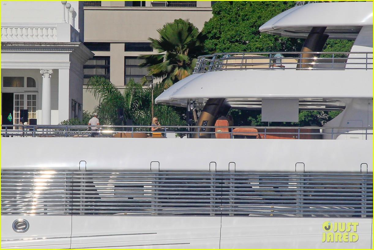 leonardo dicaprio luxury yacht world cup 08