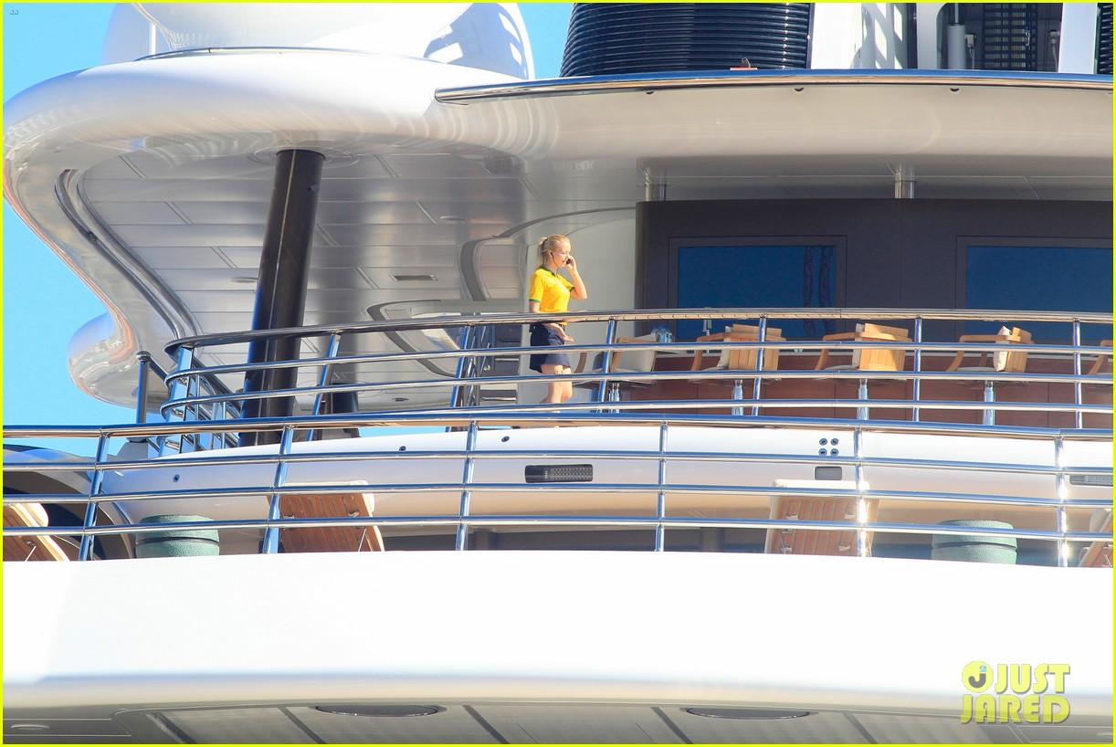 leonardo dicaprio luxury yacht world cup 18