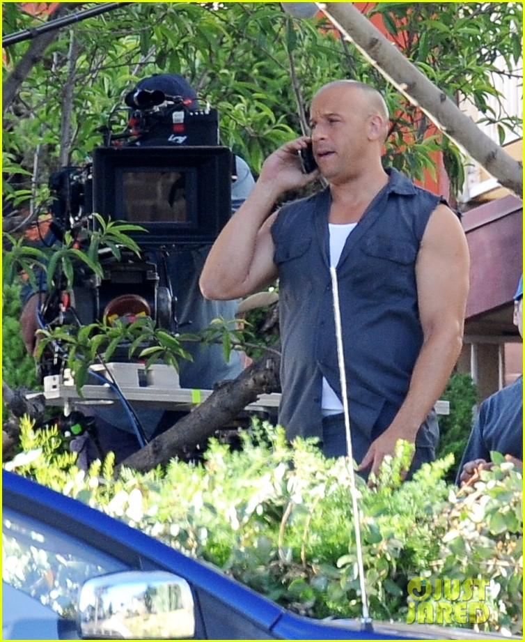 vin diesel gives jordana brewster huge hug for fast furious 7 183127431
