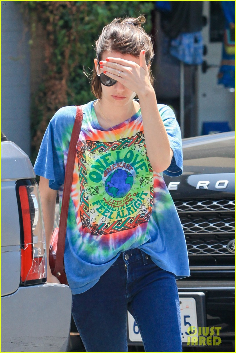 emma roberts begins filming ashby nat wolff 013143456