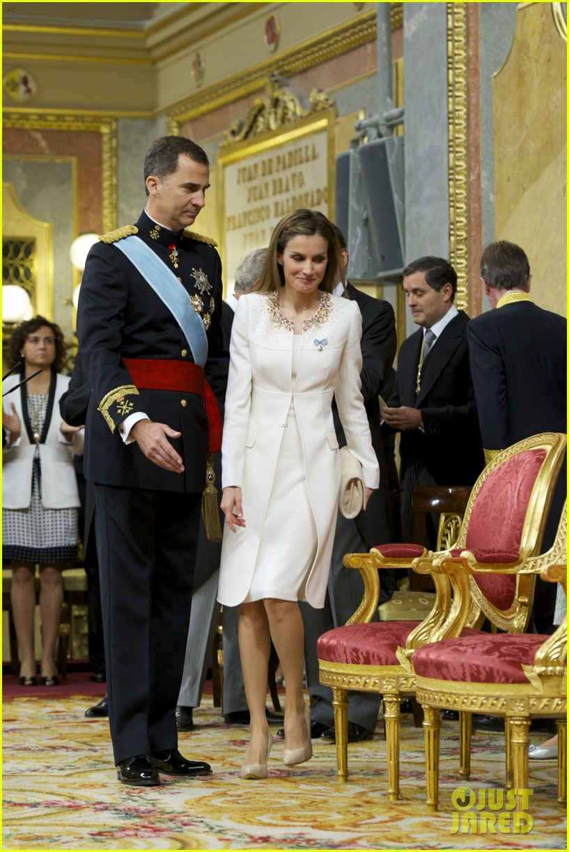 king felipe vi queen letizia of spain coronation 24