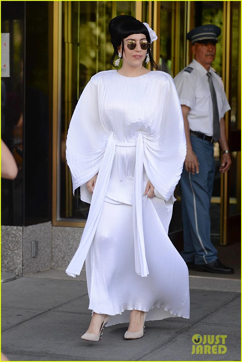 lady gaga kimono dress 063140103