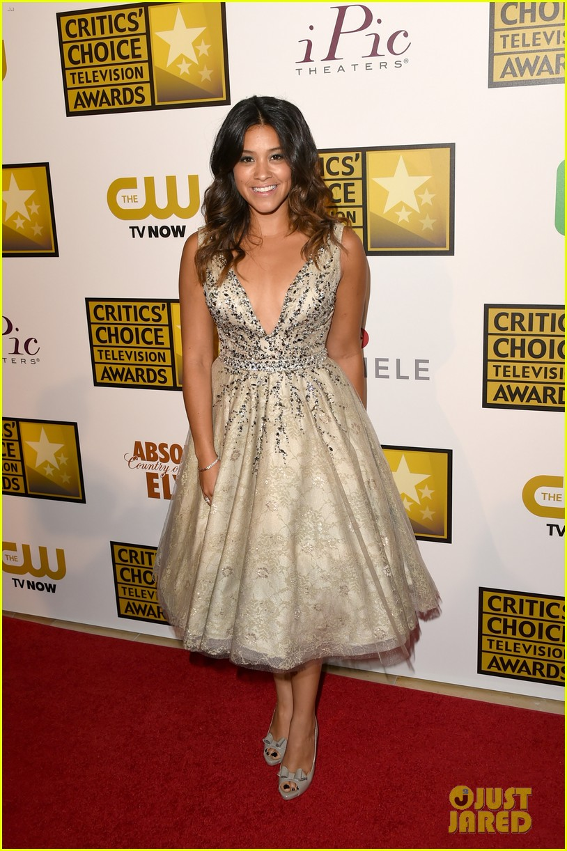 kat graham gina rodriguez critics choice tv awards 2014 05