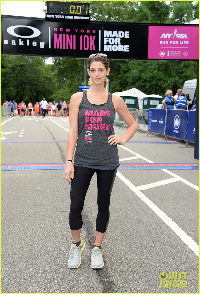 ashley greene oakley new york 10k race 123135439