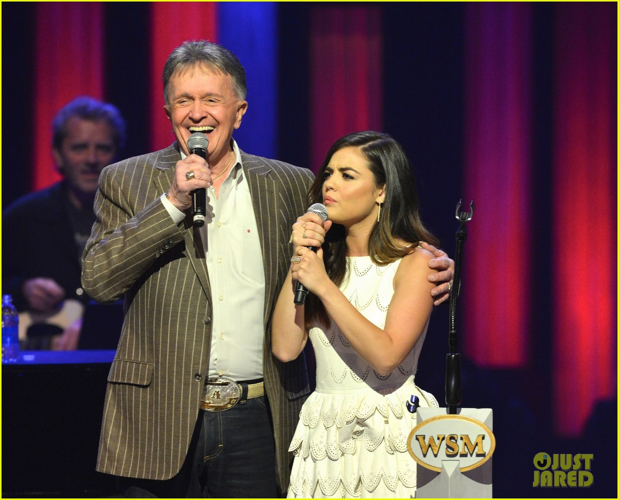 lucy hale makes her grand ole opry debut 073141067