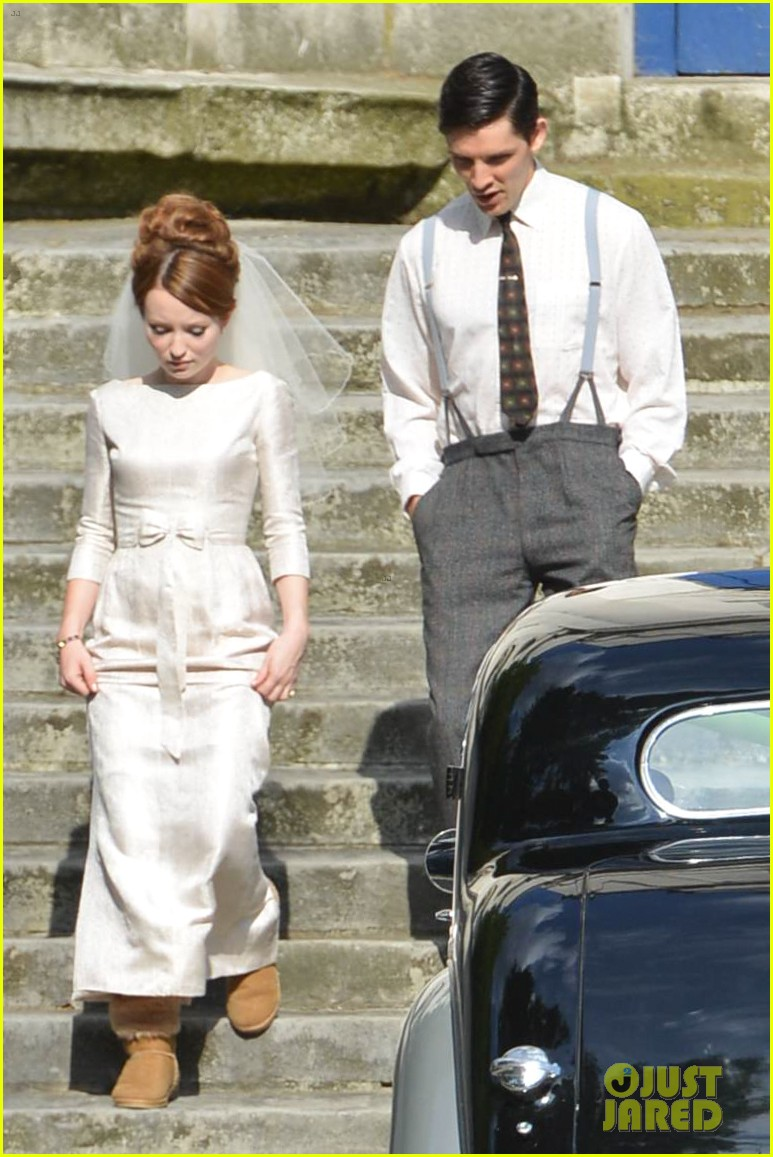 tom hardy emily browning get married for legend 033135286
