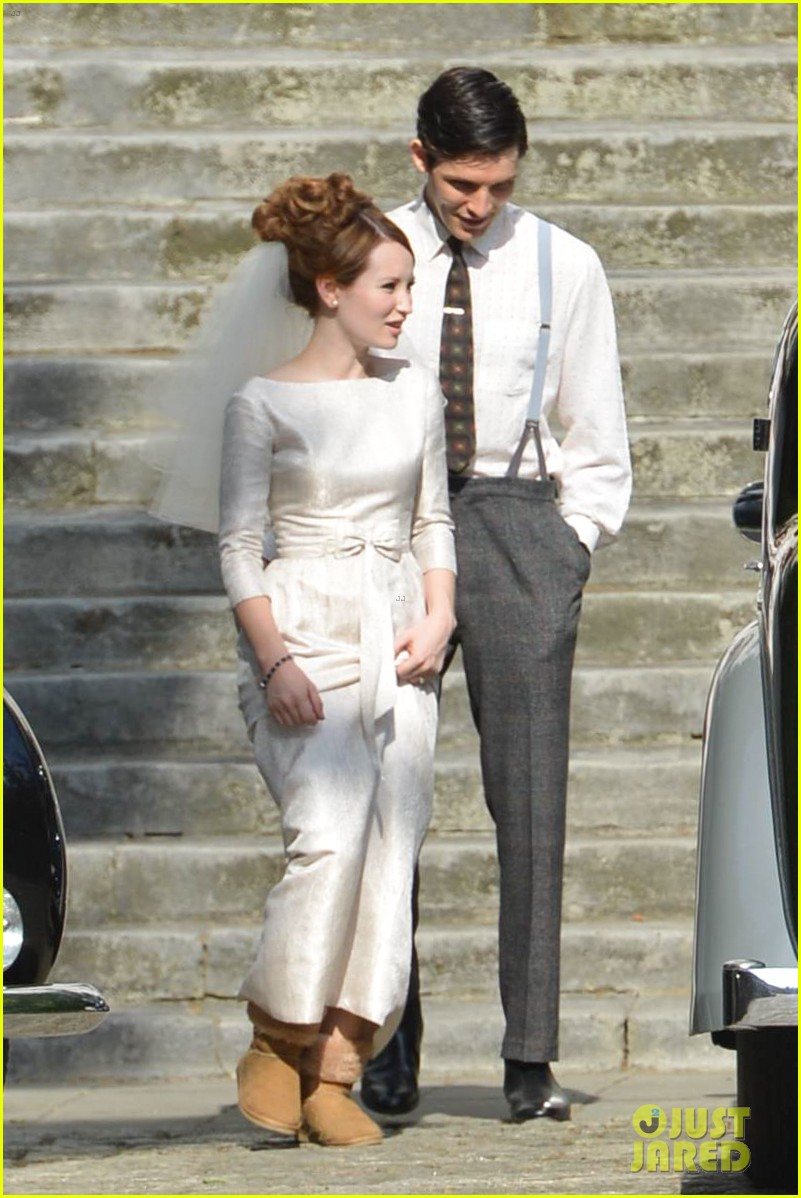 tom hardy emily browning get married for legend 103135293