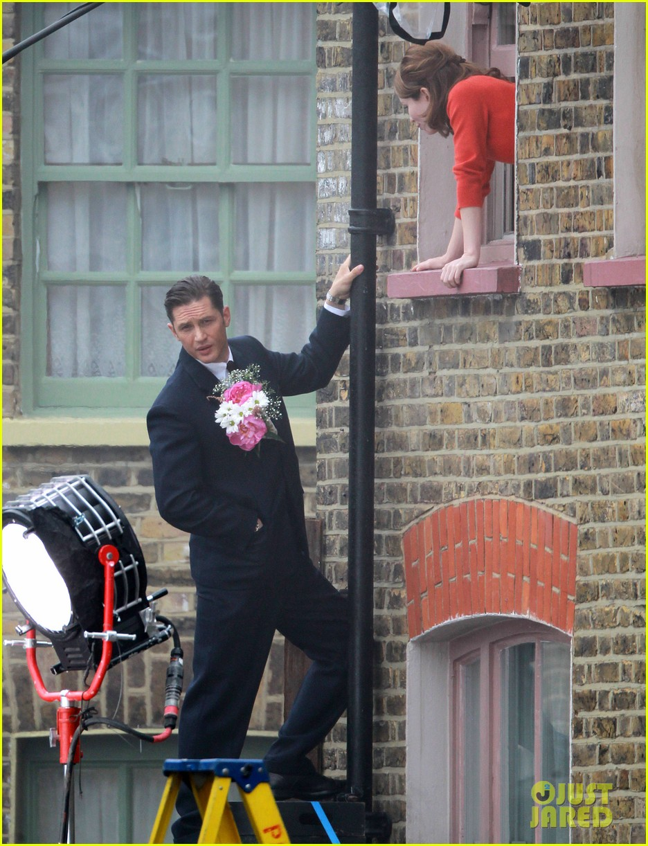 tom hardy shimmies up a drainpipe to woo emily browning 103143184