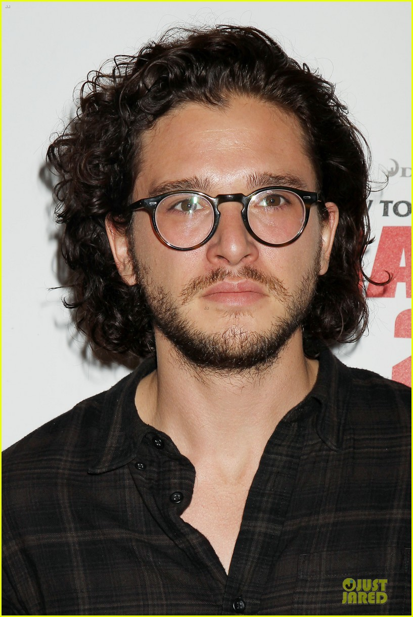 kit harington hair has contract on game of thrones 08