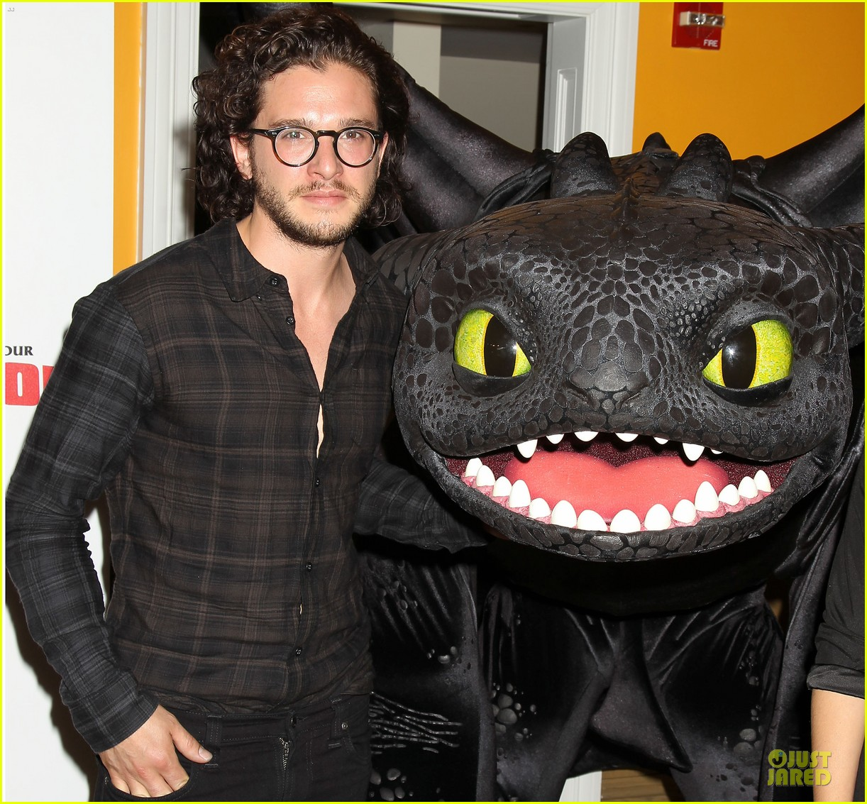 kit harington hair has contract on game of thrones 15