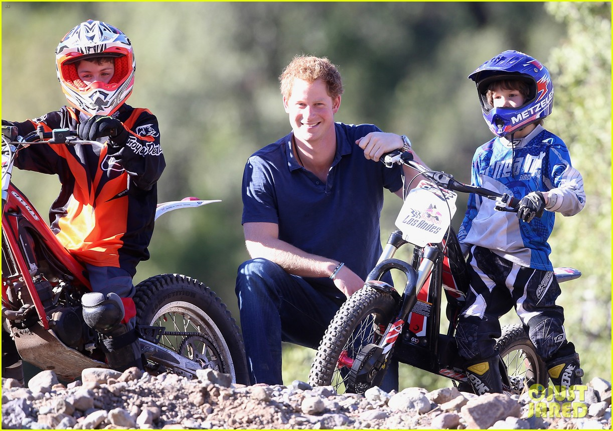 prince harry busts a move children chile visit 21