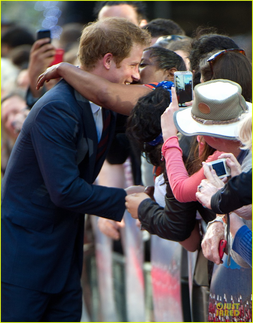 prince harry interaction with goat melt your heart 06
