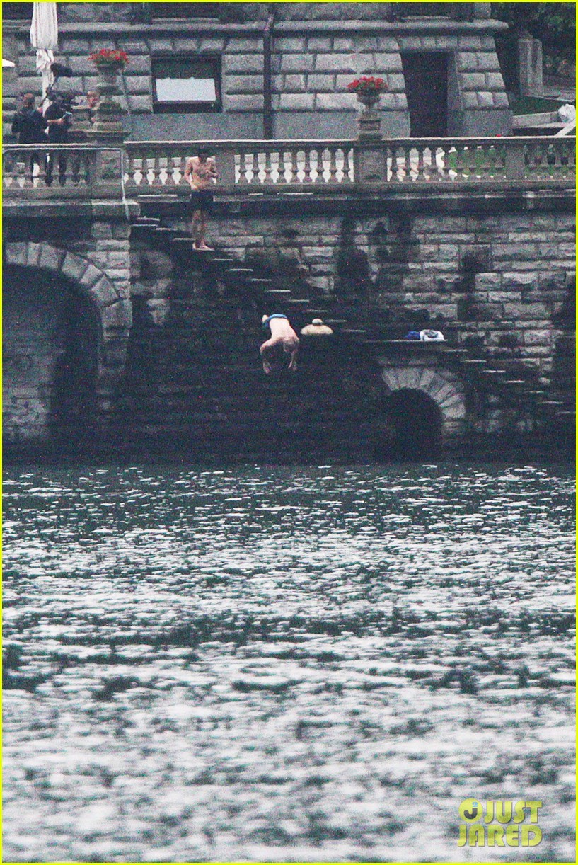 harry styles jumps into lake como 13