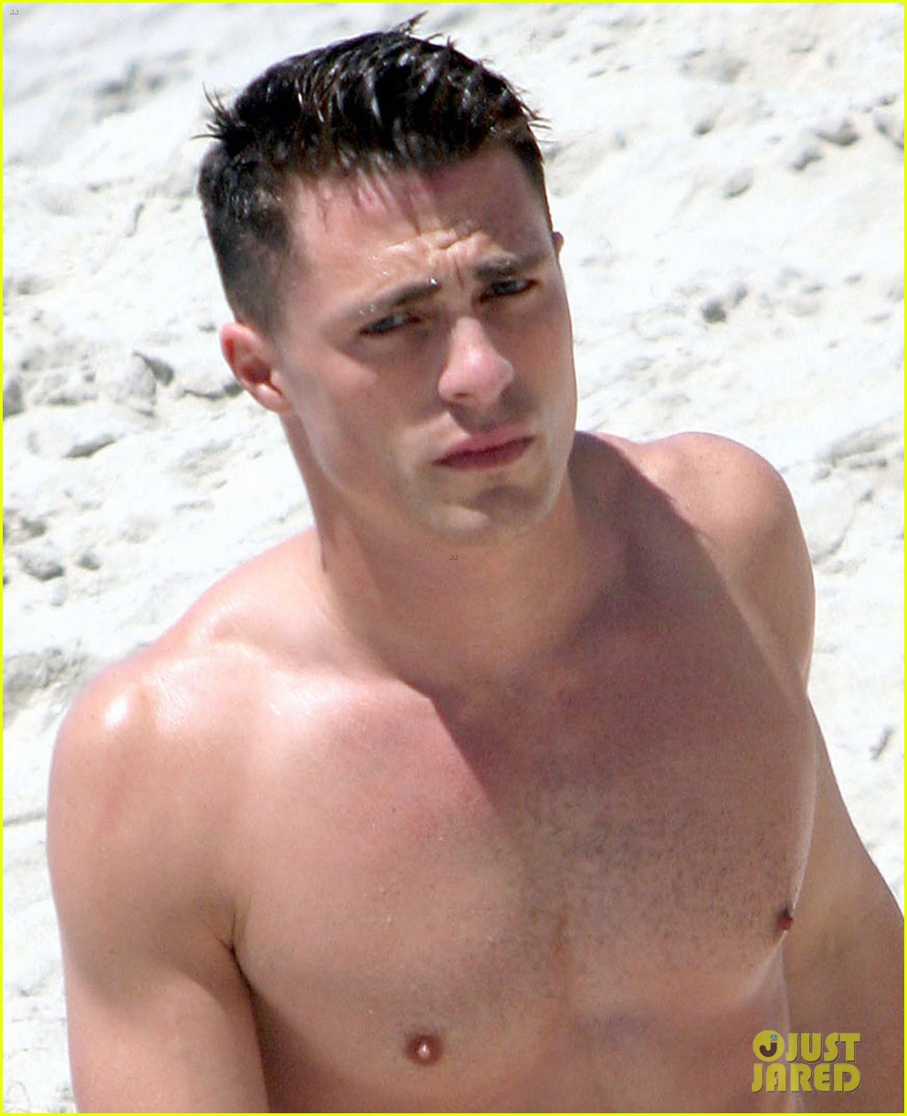 colton haynes shirtless beach 03